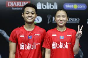 Akbar Bintang Cahyono/Winnya Oktavina Kandow keluar sebagai runner up Mola TV PBSI Home Tournament.